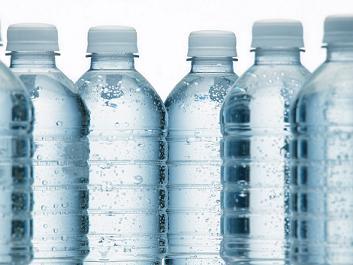 Virage écologique: fini l'eau en bouteille à l'école